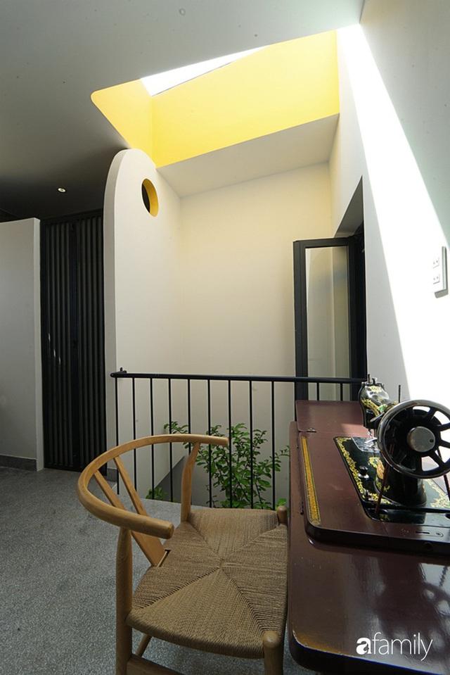Ngôi nhà đẹp mộng mơ với cây xanh và ánh sáng của chủ nhà say đắm cúc họa mi ở miền Trung - Ảnh 20.