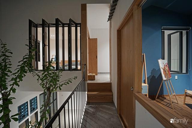 Ngôi nhà đẹp mộng mơ với cây xanh và ánh sáng của chủ nhà say đắm cúc họa mi ở miền Trung - Ảnh 3.