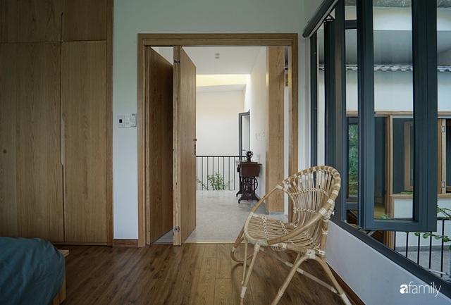 Ngôi nhà đẹp mộng mơ với cây xanh và ánh sáng của chủ nhà say đắm cúc họa mi ở miền Trung - Ảnh 21.