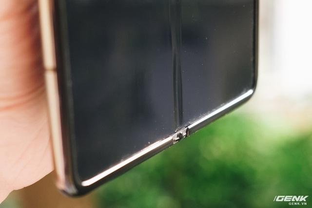 Dùng Galaxy Fold không dán màn hình: Chiếc máy của tôi bây giờ ra sao?  - Ảnh 5.