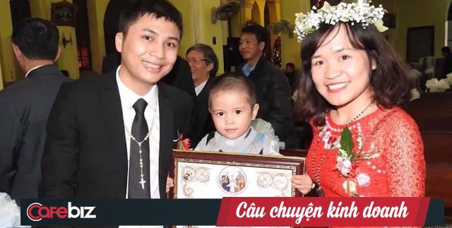 Trần Văn Tiên - Chàng trai viết cổ tích đời thường: Từ cậu bé tật nguyền đến ông chủ hãng trang sức - Ảnh 3.