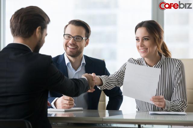 Nhà tuyển dụng: từ tiếng anh nào được nhiều người thích nghe nhất, người được nhận người bị đuổi sau nhau có vài phút, suy cho cùng hơn nhau ở thái độ - Ảnh 1.