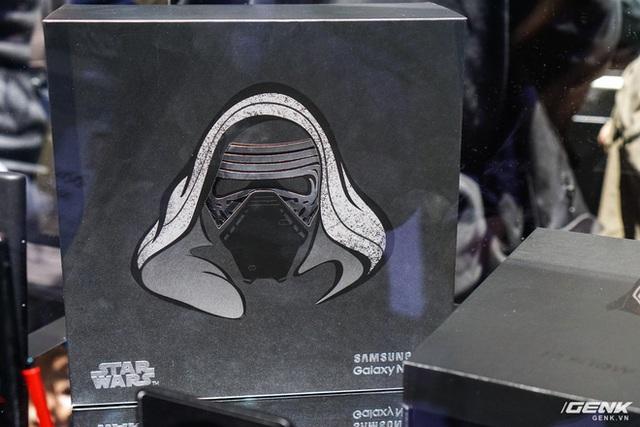 [CES 2020] Cận cảnh Galaxy Note10+ phiên bản đặc biệt dành riêng cho fan Star Wars - Ảnh 1.