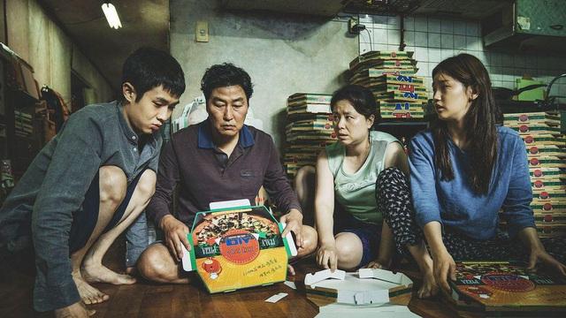 Siêu phẩm Parasite của đạo diễn Hàn Quốc Bong Joon Ho làm nên lịch sử, ẵm giải phim xuất sắc nhất Oscar 2020  - Ảnh 2.