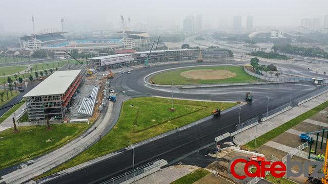 Toàn cảnh đường đua F1 Hà Nội đang hoàn thiện: Tốc độ thi công thần tốc, khiến Giám đốc F1 Michael Masi cũng phải bất ngờ - Ảnh 3.
