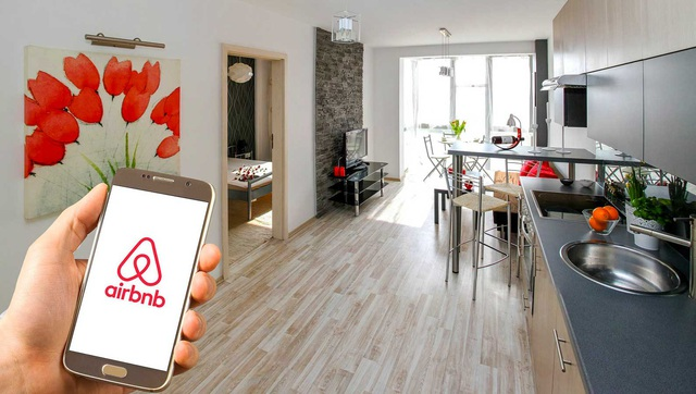 Kỳ lân Airbnb tiếp tục báo cáo thua lỗ hàng trăm triệu USD - Ảnh 2.
