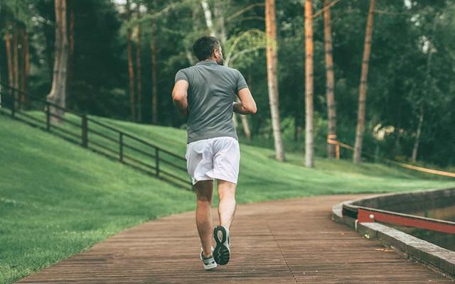 Cuộc đời khác biệt của người chăm chỉ vận động và người lười biếng không chịu vận động - Ảnh 3.