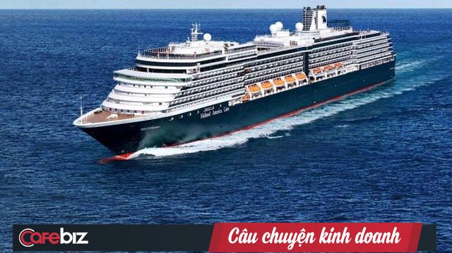 Tàu du lịch số nhọ bị 5 nước cấm nhập cảnh cuối cùng cũng được đồng ý cập cảng Campuchia - Ảnh 1.