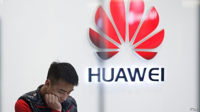 """Mỹ """"vừa đánh vừa xoa"""" Huawei - Ảnh 1."""