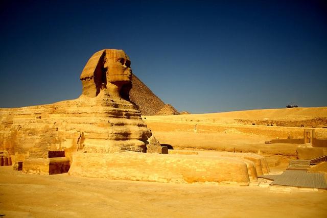 Bí mật thật sự của kim tự tháp Ai Cập và tượng Nhân Sư: Ẩn chứa thông điệp vũ trụ hiếm người biết - Ảnh 2.