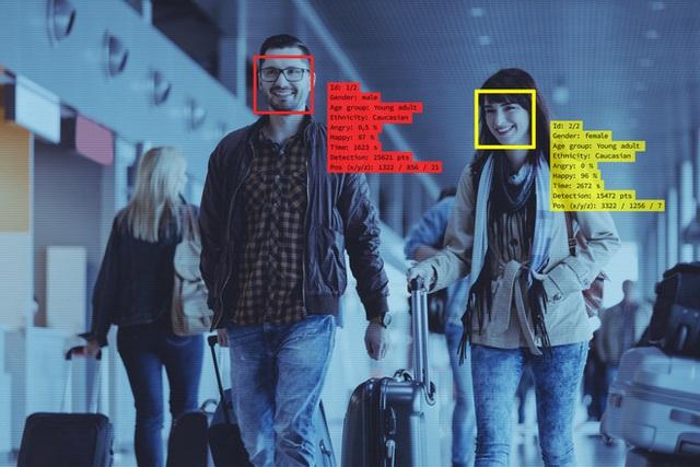 Kĩ sư gốc Việt tạo ứng dụng tìm kiếm danh tính có khả năng siêu phàm nhưng lại khiến hàng triệu người Mỹ sợ hãi - Ảnh 2.