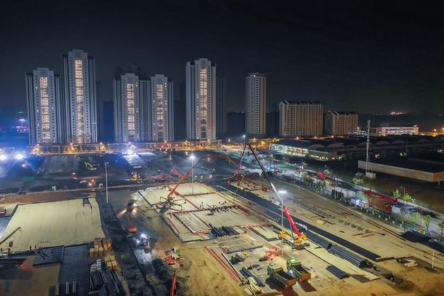 Hình ảnh mới nhất về hai bệnh viện dã chiến sắp hoàn tất ở Vũ Hán: Thời gian là mạng sống. Chúng tôi đang chạy đua với cái chết!  - Ảnh 5.