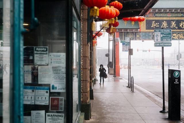 Nhiễm bệnh rồi đúng không?: Tình cảnh chung của người Trung Quốc tại Mỹ vào lúc này, chỉ 1 cái hắt hơi cũng bị nghi ngờ, xa lánh - Ảnh 1.