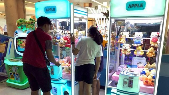 Thái Lan cấm tiệt máy gắp thú bông trên toàn quốc - Ảnh 1.