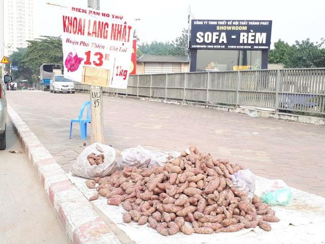 Khoai lang Nhật giải cứu đầy vỉa hè Hà Nội, thương nhân bán giá 13.000 đồng/kg - Ảnh 3.