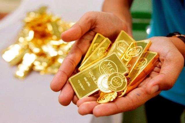 Giá vàng biến động, chuyên gia khuyến cáo nhà đầu tư đa dạng hóa tài sản để giảm rủi ro - Ảnh 1.