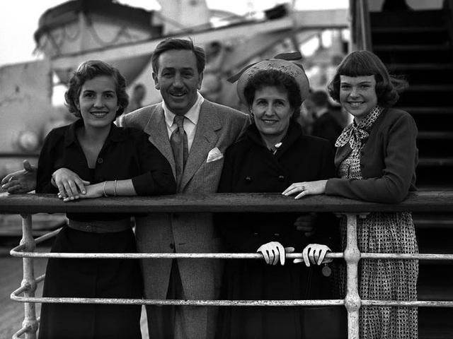 Cuộc sống của gia đình sáng lập đế chế Walt Disney - Ảnh 4.