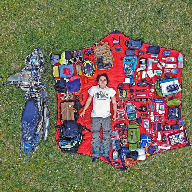 Phượt thủ Trần Đặng Đăng Khoa kỉ niệm 1000 ngày vòng quanh thế giới bằng xe cà tàng - Ảnh 3.
