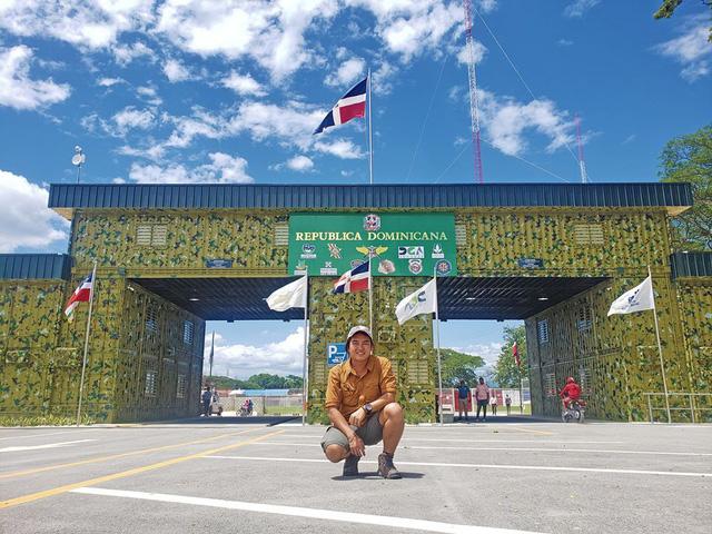 Phượt thủ Trần Đặng Đăng Khoa kỉ niệm 1000 ngày vòng quanh thế giới bằng xe cà tàng - Ảnh 15.