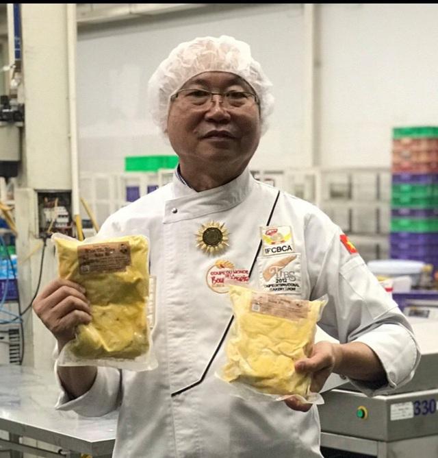 """Người Sài Gòn xếp hàng dài đợi mua bánh mì thanh long nhân sẩu riêng của vua bánh mì"""" Kao Siêu Lực - Ảnh 4."""