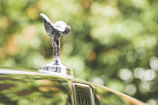 Tâm sự 'thầm kín' của tài xế Rolls-Royce cho giới nhà giàu: Phải lái xe như một quý ông, chỉ được đeo cà vạt xanh/đen và không nhiều chuyện! - Ảnh 2.