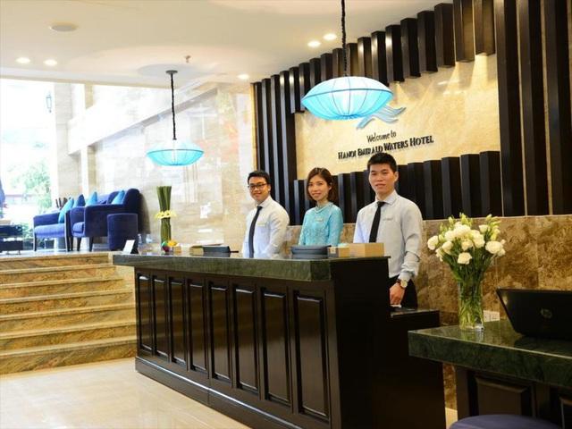 """""""Thấm đòn"""" dịch Covid-19, gom trả tiền điện còn khó khăn, một khách sạn tại Hà Nội buộc phải cho nhân viên nghỉ việc: Trợ cấp 1,5 triệu đồng/người/tháng, lương sếp cũng như nhân viên - Ảnh 2."""