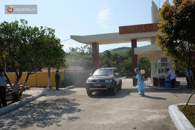 Cận cảnh bên trong khu cách ly người Việt từ tâm dịch virus Corona của Hàn Quốc về Đà Nẵng - Ảnh 3.