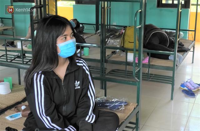 Cận cảnh bên trong khu cách ly người Việt từ tâm dịch virus Corona của Hàn Quốc về Đà Nẵng - Ảnh 10.