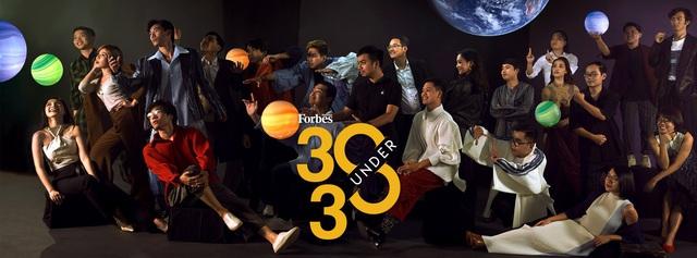 Forbes Việt Nam công bố danh sách 30 under 30, vinh danh cầu thủ Quang Hải, Chang Makeup, Founder Logivan, MindX... - Ảnh 1.