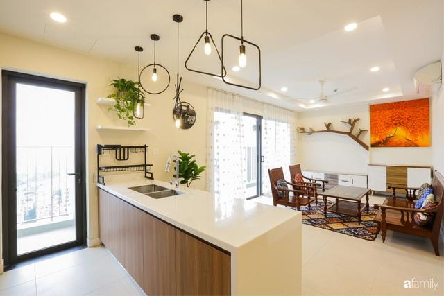 Ngắm căn hộ chung cư có view nhìn thẳng ra hồ Tây theo phong cách vintage tối giản, thoáng mát ai nhìn cũng mê - Ảnh 1.