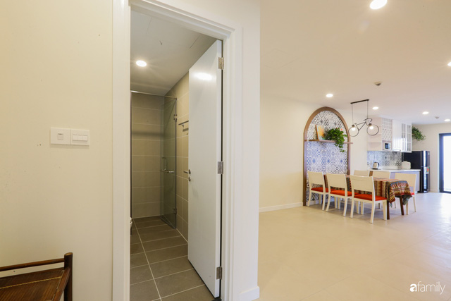 Ngắm căn hộ chung cư có view nhìn thẳng ra hồ Tây theo phong cách vintage tối giản, thoáng mát ai nhìn cũng mê - Ảnh 17.
