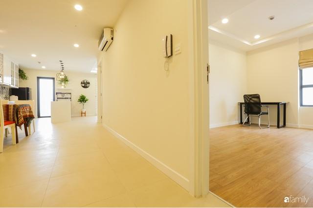 Ngắm căn hộ chung cư có view nhìn thẳng ra hồ Tây theo phong cách vintage tối giản, thoáng mát ai nhìn cũng mê - Ảnh 19.
