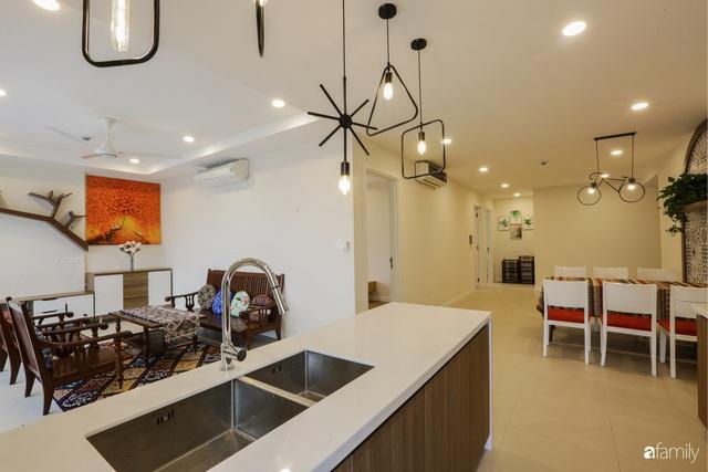 Ngắm căn hộ chung cư có view nhìn thẳng ra hồ Tây theo phong cách vintage tối giản, thoáng mát ai nhìn cũng mê - Ảnh 7.