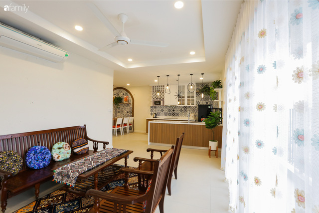 Ngắm căn hộ chung cư có view nhìn thẳng ra hồ Tây theo phong cách vintage tối giản, thoáng mát ai nhìn cũng mê - Ảnh 9.