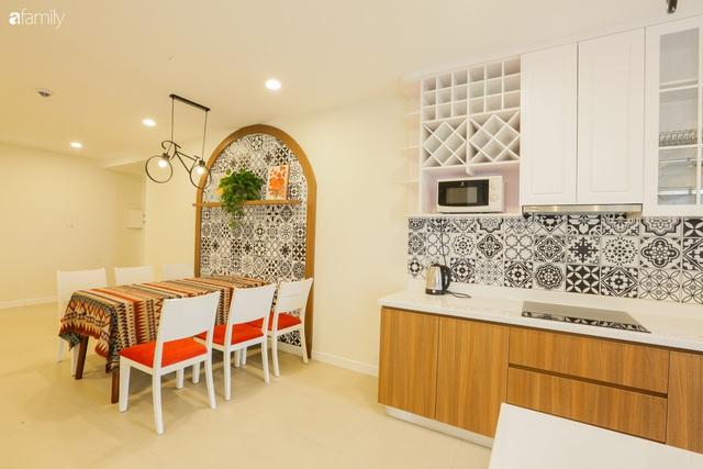 Ngắm căn hộ chung cư có view nhìn thẳng ra hồ Tây theo phong cách vintage tối giản, thoáng mát ai nhìn cũng mê - Ảnh 10.