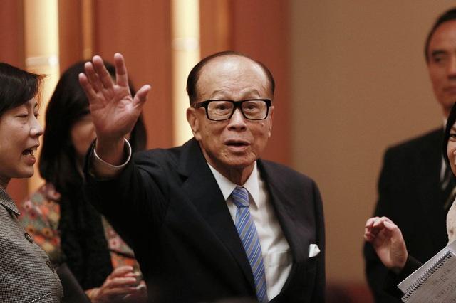 10 tỷ phú giàu nhất Hong Kong: Li Ka-shing lần đầu mất vị trí số một kể từ năm 2008 - Ảnh 2.