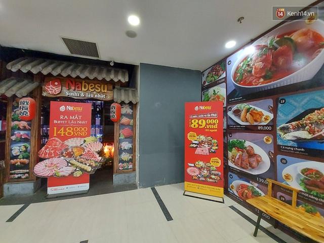 Nhiều nhà hàng ở Hà Nội đồng loạt đóng cửa tạm thời, các trung tâm thương mại vắng vẻ: tinh thần phòng tránh dịch bệnh nâng cao hơn bao giờ hết - Ảnh 3.