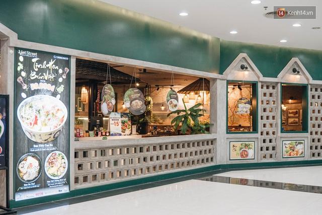 Nhiều nhà hàng ở Hà Nội đồng loạt đóng cửa tạm thời, các trung tâm thương mại vắng vẻ: tinh thần phòng tránh dịch bệnh nâng cao hơn bao giờ hết - Ảnh 5.