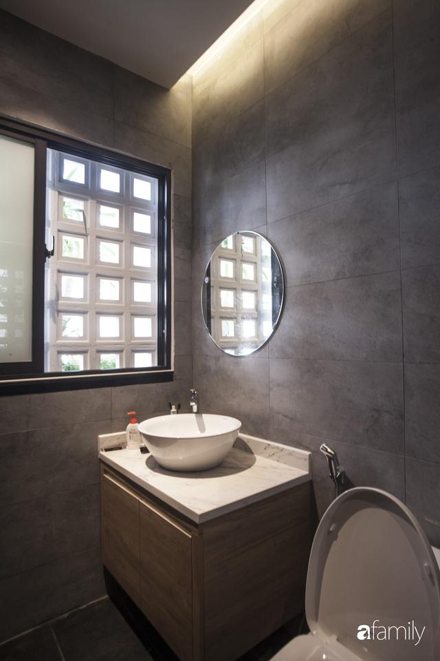 Ngôi nhà 2,5 tầng được áp dụng phong cách tối giản ở Đà Nẵng - Ảnh 19.