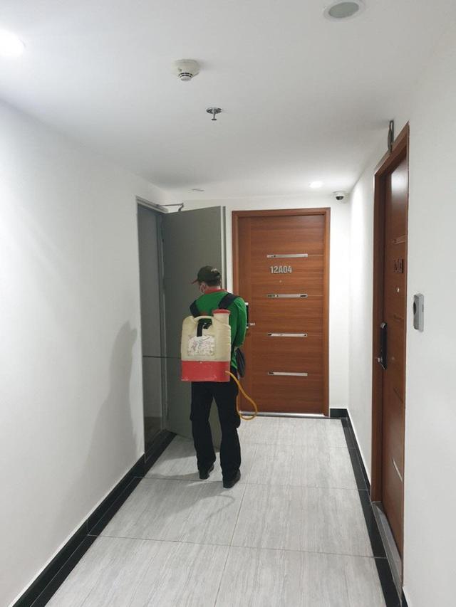 Có một chung cư ở Hà Nội trang bị cả... tăm cho mọi người bấm thang máy, vừa hiệu quả lại vừa rẻ nên được ủng hộ rần rần - Ảnh 3.