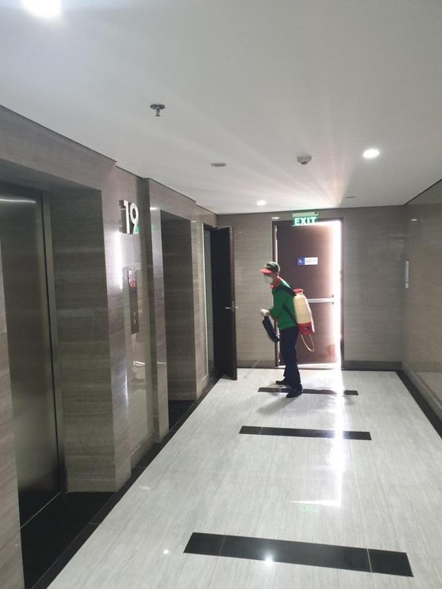 Có một chung cư ở Hà Nội trang bị cả... tăm cho mọi người bấm thang máy, vừa hiệu quả lại vừa rẻ nên được ủng hộ rần rần - Ảnh 4.