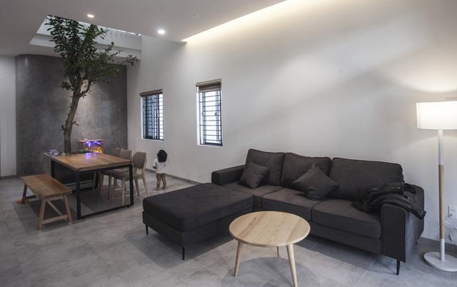Ngôi nhà 2,5 tầng được áp dụng phong cách tối giản ở Đà Nẵng - Ảnh 4.