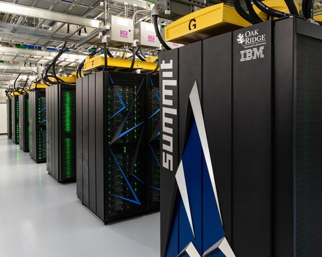 Để chống lại đại dịch Covid-19, các nhà khoa học tận dụng sức mạnh tính toán kinh hoàng của siêu máy tính mạnh nhất thế giới - Ảnh 1.