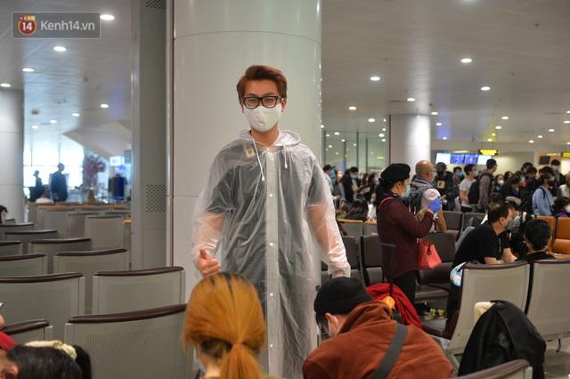 Ảnh: Cận cảnh quy trình lấy mẫu xét nghiệm Covid-19 trực tiếp tại sân bay Nội Bài - Ảnh 13.