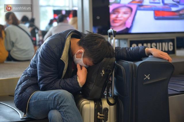 Ảnh: Cận cảnh quy trình lấy mẫu xét nghiệm Covid-19 trực tiếp tại sân bay Nội Bài - Ảnh 16.