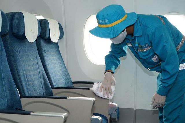 Vệ sinh khử trùng trên mỗi chuyến bay như thế nào để phòng dịch Covid-19? - Ảnh 6.