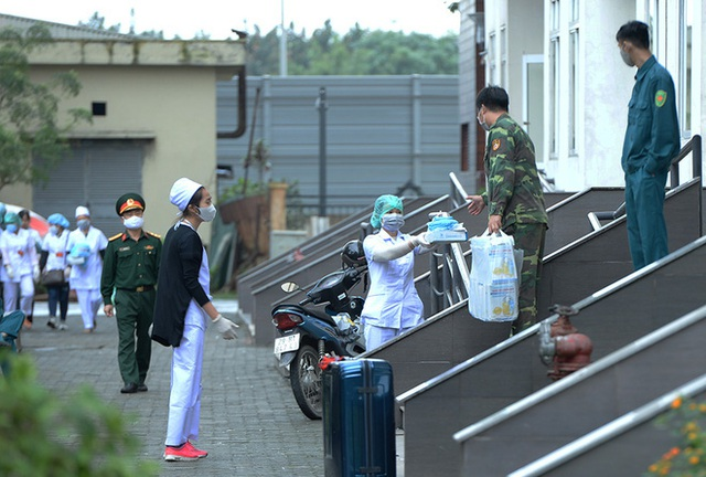 Cận cảnh khu cách ly tập trung có sức chứa 4000 người ở Hà Nội - Ảnh 9.