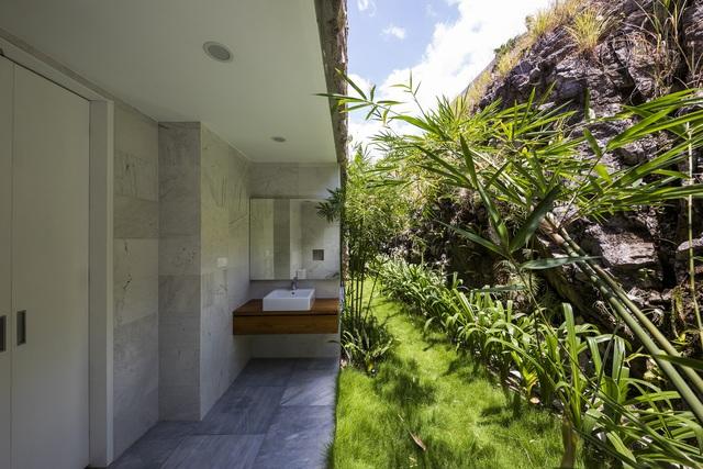 Biệt thự nghỉ dưỡng hình hộp gỗ trên ngọn đồi hướng biển ở Nha Trang - Ảnh 11.