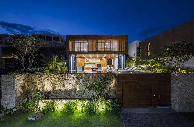 Biệt thự nghỉ dưỡng hình hộp gỗ trên ngọn đồi hướng biển ở Nha Trang - Ảnh 14.