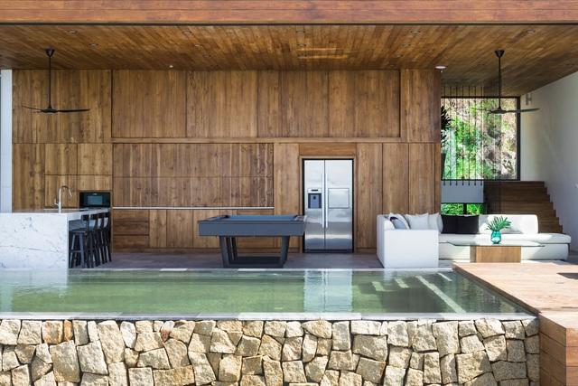 Biệt thự nghỉ dưỡng hình hộp gỗ trên ngọn đồi hướng biển ở Nha Trang - Ảnh 7.